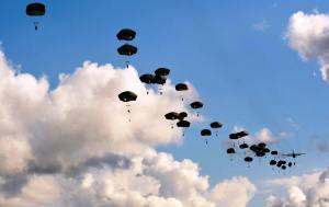 paratroopers mass tactical jump